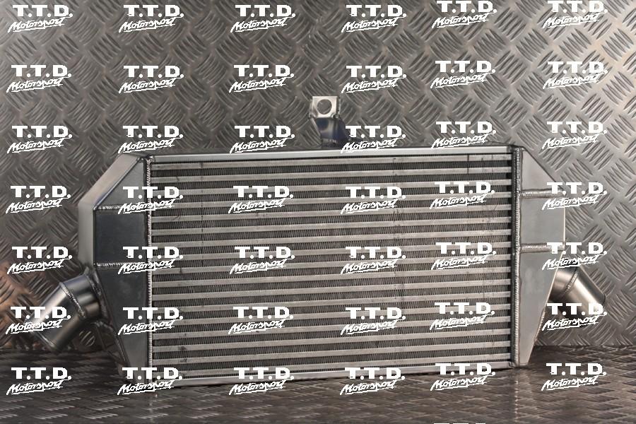 Intercooler competición para reemplazar por el estandar con panel motorsport de 80mm