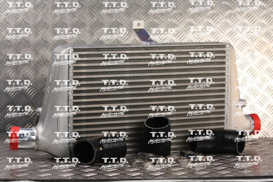 Intercooler AMS gran capacidad (hasta 650cv) con kit de montaje, opcional con o sin logo